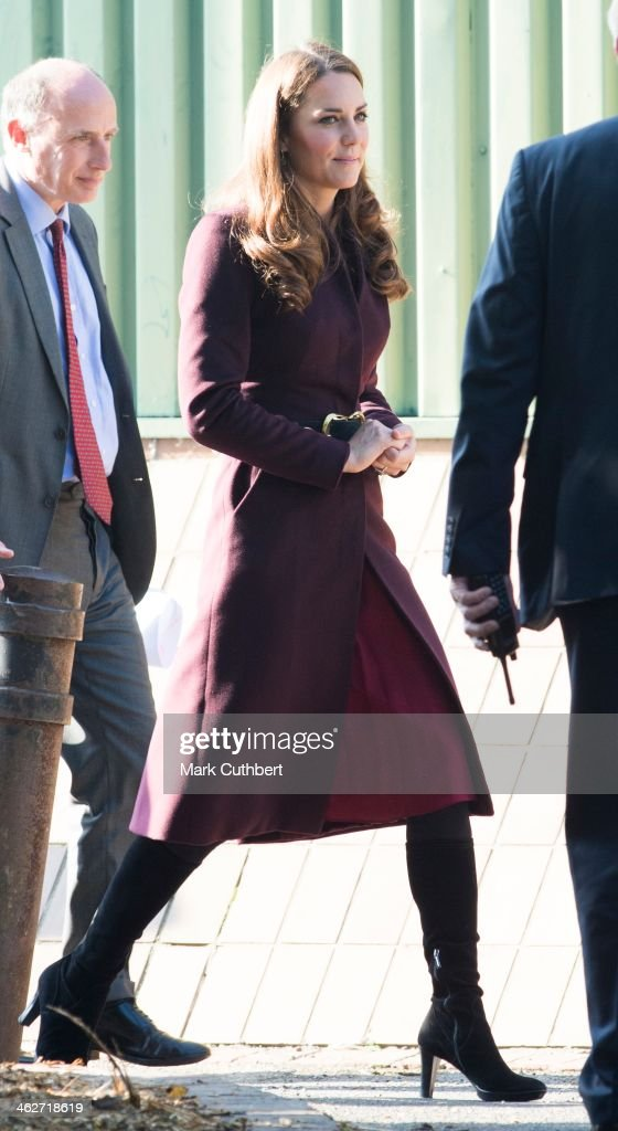 <a gi-track='captionPersonalityLinkClicked' href=/galleries/search?phrase=Catherine+-+Duchess+of+Cambridge&family=editorial&specificpeople=542588 ng-click='$event.stopPropagation()'>Catherine</a>, Duchess of Cambridge visits a community garden project at Elswick Park on October 10, 2012 in Newcastle upon Tyne, England.