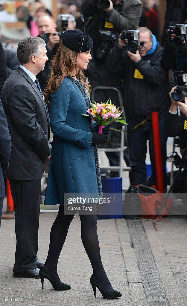 <a gi-track='captionPersonalityLinkClicked' href=/galleries/search?phrase=Catherine+-+Duchess+of+Cambridge&family=editorial&specificpeople=542588 ng-click='$event.stopPropagation()'>Catherine</a>, Duchess of Cambridge visits Baker Street Underground Station to mark the 150th anniversary of the London Underground on March 20, 2013 in London, England.