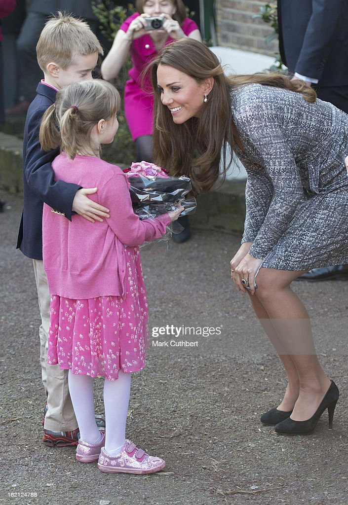 <a gi-track='captionPersonalityLinkClicked' href=/galleries/search?phrase=Catherine+-+Hertiginna+av+Cambridge&family=editorial&specificpeople=542588 ng-click='$event.stopPropagation()'>Catherine</a>, Duchess of Cambridge visits Hope House an Action on Addiction women's treatment centre on February 19, 2013 in London, England.