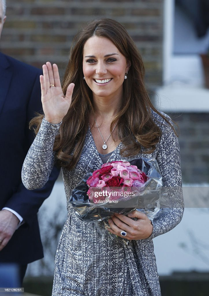 <a gi-track='captionPersonalityLinkClicked' href=/galleries/search?phrase=Catherine+-+Hertiginna+av+Cambridge&family=editorial&specificpeople=542588 ng-click='$event.stopPropagation()'>Catherine</a>, Duchess of Cambridge visits Hope House, an Action on Addiction women's treatment centre, on February 19, 2013 in London, England.
