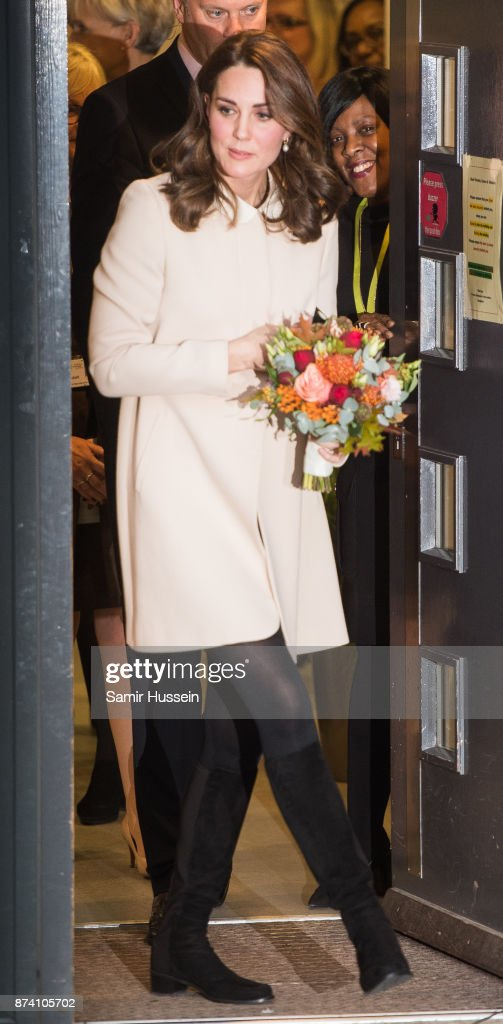 catherine-duchess-of-cambridge-visits-hornsey-road-childrens-centre-picture-id874105702