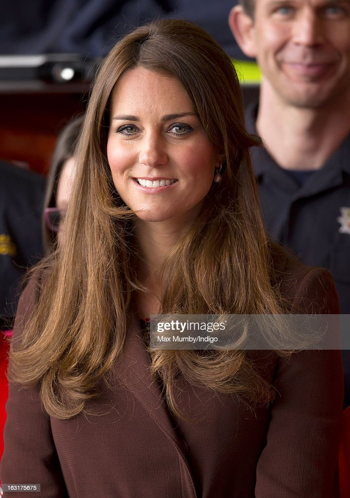 <a gi-track='captionPersonalityLinkClicked' href=/galleries/search?phrase=Catherine+-+Duchesse+de+Cambridge&family=editorial&specificpeople=542588 ng-click='$event.stopPropagation()'>Catherine</a>, Duchess of Cambridge visits Peaks Lane Fire Station whilst carrying out a day of engagements on March 5, 2013 in Grimsby, England.