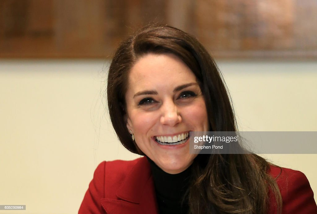 catherine-duchess-of-cambridge-visits-raf-air-cadets-at-raf-wittering-picture-id635250984