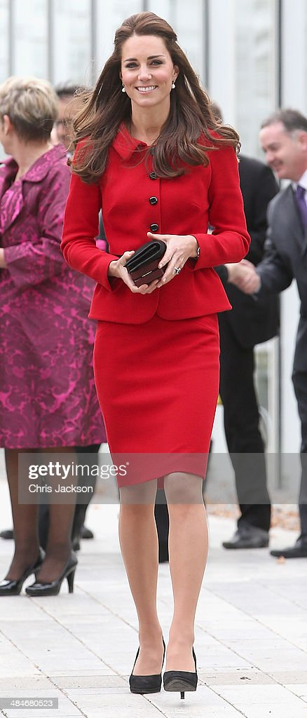 <a gi-track='captionPersonalityLinkClicked' href=/galleries/search?phrase=Catherine+-+Herzogin+von+Cambridge&family=editorial&specificpeople=542588 ng-click='$event.stopPropagation()'>Catherine</a>, Duchess of Cambridge visits the Botanical Gardens on April 14, 2014 in Christchurch, New Zealand. The Duke and Duchess of Cambridge are on a three-week tour of Australia and New Zealand, the first official trip overseas with their son, Prince George of Cambridge.
