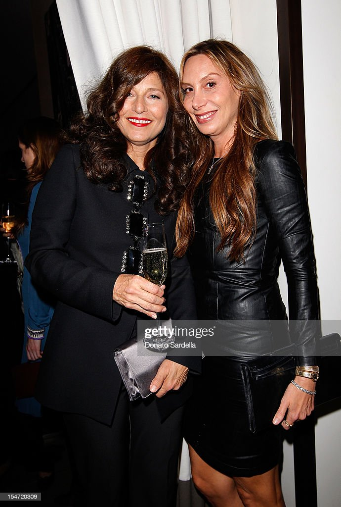 <a gi-track='captionPersonalityLinkClicked' href=/galleries/search?phrase=Catherine+Keener&family=editorial&specificpeople=239455 ng-click='$event.stopPropagation()'>Catherine Keener</a> and Jacqui Getty attend W's Stefano Tonchi and <a gi-track='captionPersonalityLinkClicked' href=/galleries/search?phrase=Catherine+Keener&family=editorial&specificpeople=239455 ng-click='$event.stopPropagation()'>Catherine Keener</a> celebrate W's 40th Anniversary and the Book Release of 'W: The First 40 Years' at Spago on October 24, 2012 in Beverly Hills, California.