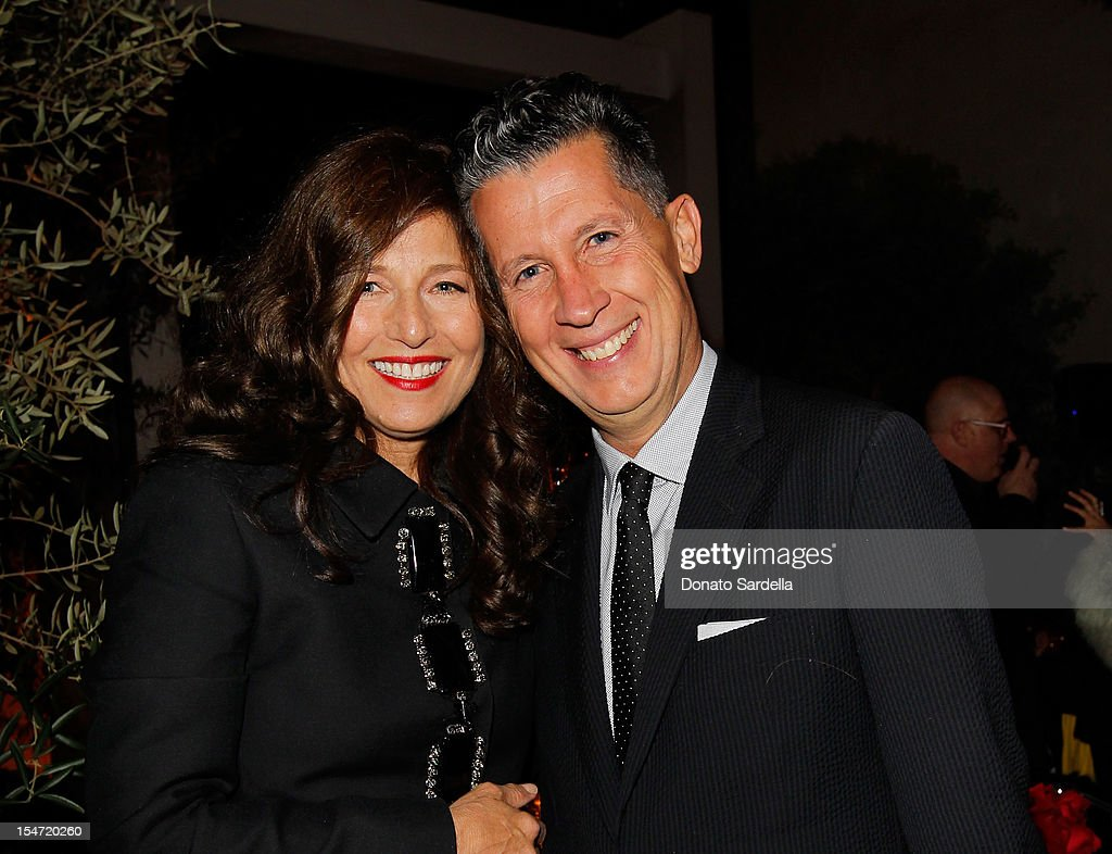 <a gi-track='captionPersonalityLinkClicked' href=/galleries/search?phrase=Catherine+Keener&family=editorial&specificpeople=239455 ng-click='$event.stopPropagation()'>Catherine Keener</a> and <a gi-track='captionPersonalityLinkClicked' href=/galleries/search?phrase=Stefano+Tonchi&family=editorial&specificpeople=2497117 ng-click='$event.stopPropagation()'>Stefano Tonchi</a> attend W's <a gi-track='captionPersonalityLinkClicked' href=/galleries/search?phrase=Stefano+Tonchi&family=editorial&specificpeople=2497117 ng-click='$event.stopPropagation()'>Stefano Tonchi</a> and <a gi-track='captionPersonalityLinkClicked' href=/galleries/search?phrase=Catherine+Keener&family=editorial&specificpeople=239455 ng-click='$event.stopPropagation()'>Catherine Keener</a> celebrate W's 40th Anniversary and the Book Release of 'W: The First 40 Years' at Spago on October 24, 2012 in Beverly Hills, California.
