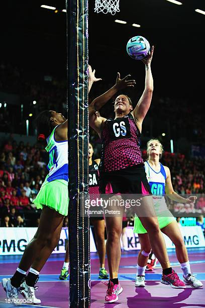 Catherine Latu of New Zealand regains the ball during the semi final match between New Zealand and South Africa on day three of the Fast5 Netball...