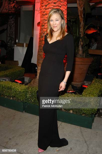 Catherine O'Hara attends the 2004 Vanity Fair Oscar Party at Mortons on February 29 2004 in Beverly Hills California