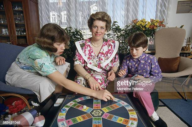 Catherine Trautmann Mayor of Strasbourg plays a game of trivial pursuit with her daughters Lydie and Magali