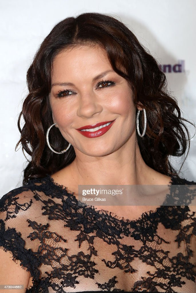 Catherine Zeta Jones attends The 2015 Actors Fund Gala at The New York Marriott Marquis on May 11, 2015 in New York City.
