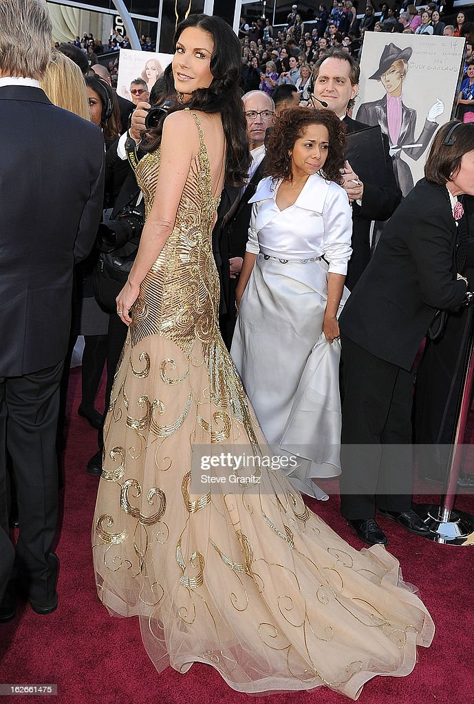 Catherine Zeta-Jones arrives at the 85th Annual Academy Awards at Dolby Theatre on February 24, 2013 in Hollywood, California.