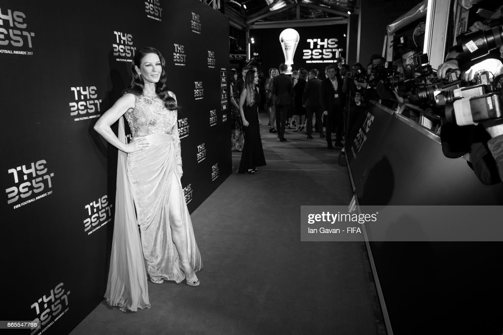 Catherine Zeta-Jones arrives on the green carpet for The Best FIFA Football Awards at The London Palladium on October 23, 2017 in London, England.
