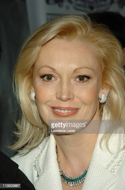 Cathy Moriarty Nude Photos 27