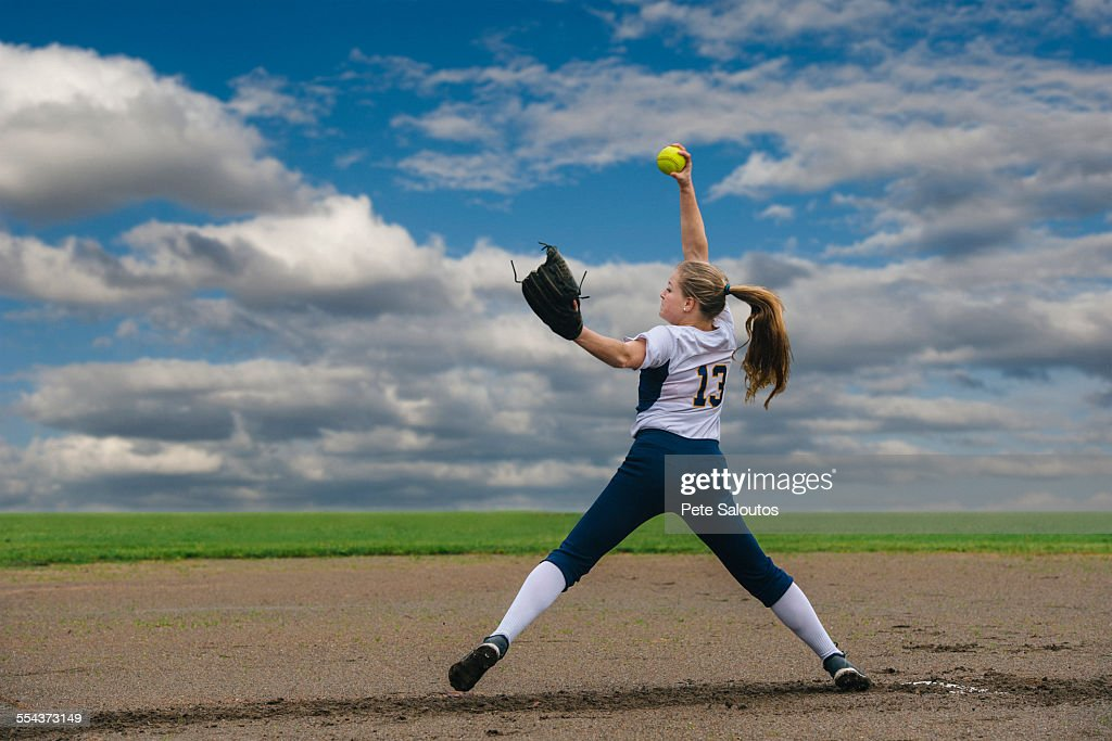 how to play center field in softball