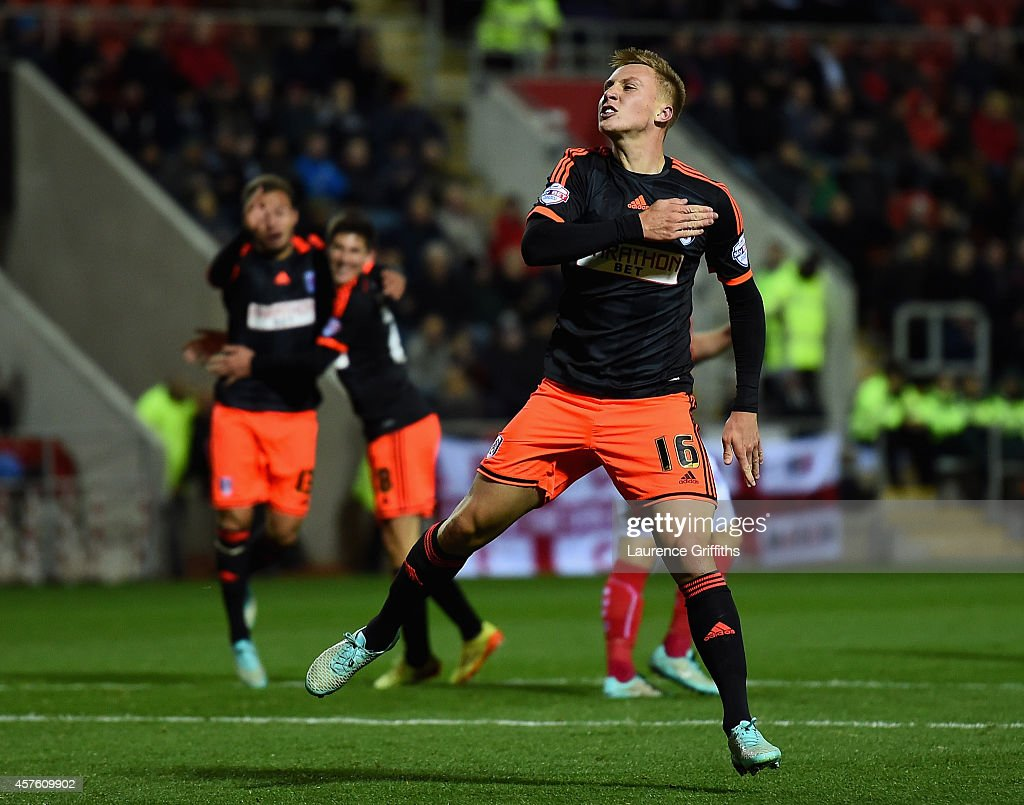 Cauley Woodrow of Fulham celebrates scoring his sides second goal during the Sky bet Championship match between Rotherham United and Fulham at The New York Stadium on October 21, 2014 in Rotherham, England.