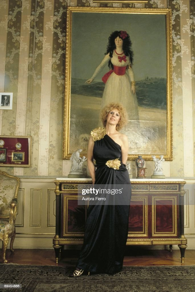 Cayetana Fitz James, duchess of Alba, in the Liria Palace The duchess with the portrait of her ancestress painted by Goya