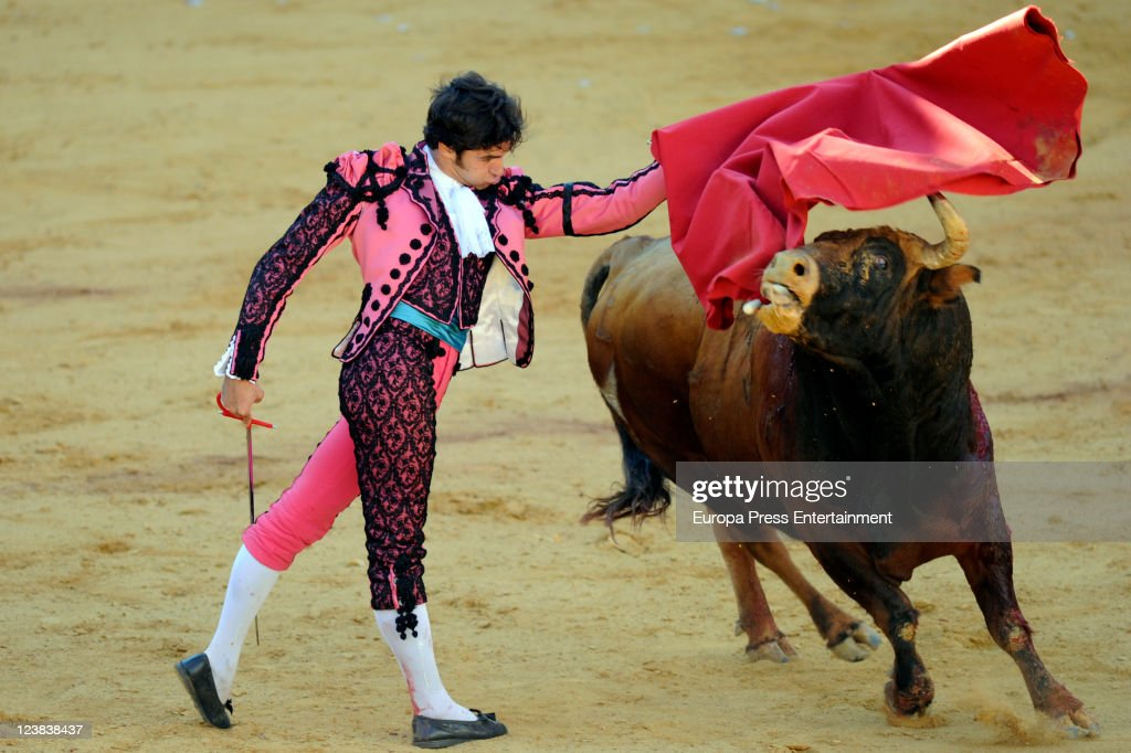 Cayetano Rivera performs during the 'Goyesca' Bullfights on September 3 2011 in Ronda Spain The bullfight events linked to The Feria Goyesca stem...