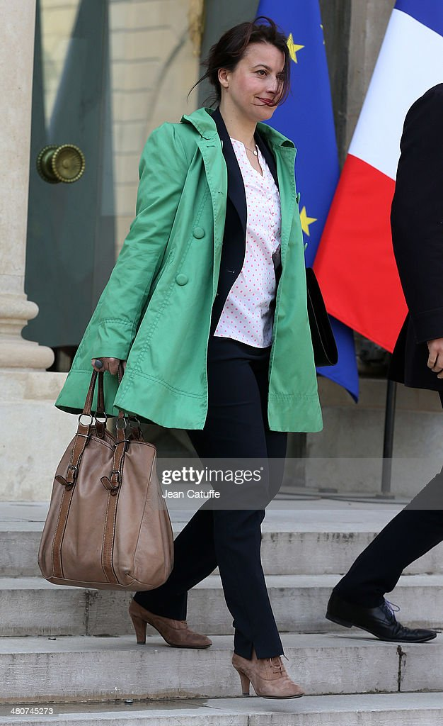 <a gi-track='captionPersonalityLinkClicked' href=/galleries/search?phrase=Cecile+Duflot&family=editorial&specificpeople=4057002 ng-click='$event.stopPropagation()'>Cecile Duflot</a>, french Minister for Country Planning and Housing attends the 'Conseil des Ministres', the weekly Cabinet meeting around the French President at Elysee Palace on March 26, 2014 in Paris, France.