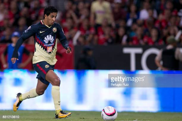 Cecilio Dominguez of America drives the ball during the 4th round match between Atlas and America as part of the Torneo Apertura 2017 Liga MX at...