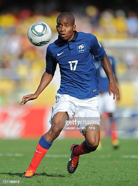 Cedric Bakambu of France controls the ball during the FIFA U20 World Cup Colombia 2011 quarter final match between France and Nigeria on August 14...