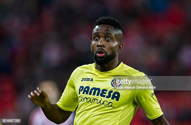 Cedric Bakambu of Villarreal CF reacts during the La Liga match between Athletic Club Bilbao and Villarreal CF at San Mames Stadium on November 20...