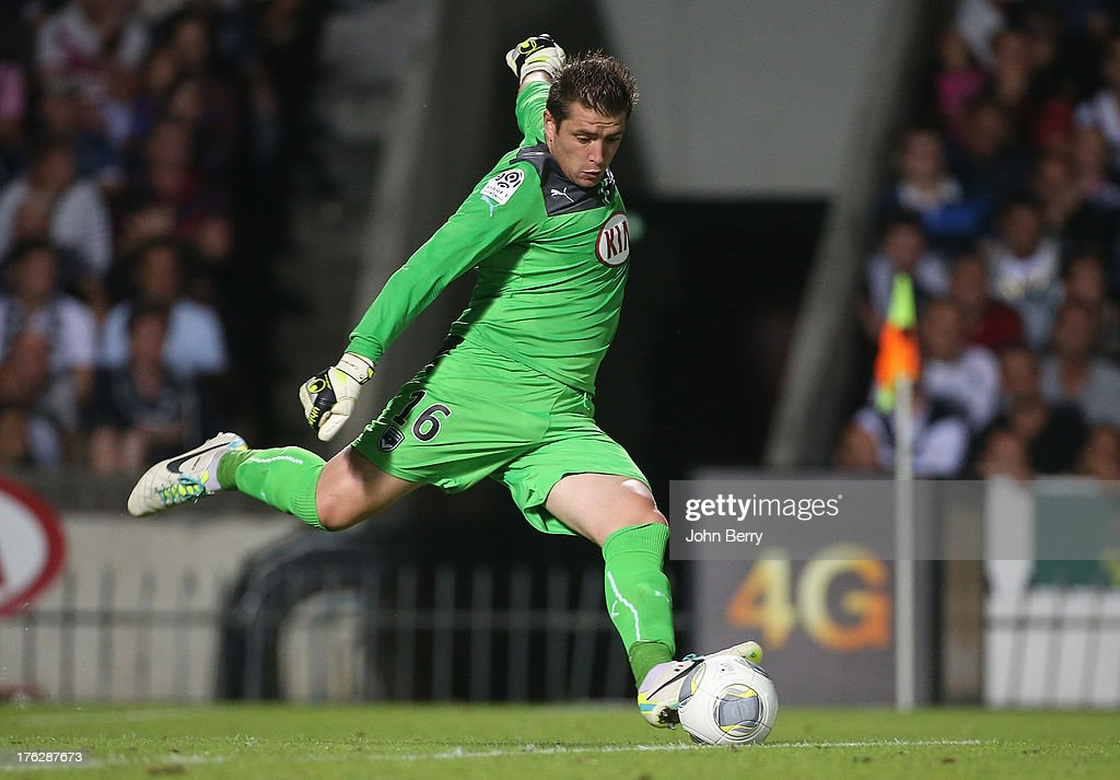 <a gi-track='captionPersonalityLinkClicked' href=/galleries/search?phrase=Cedric+Carrasso&family=editorial&specificpeople=661919 ng-click='$event.stopPropagation()'>Cedric Carrasso</a>, goalkeeper of Bordeaux in action during the french Ligue 1 match between FC Girondins de Bordeaux and AS Monaco FC at the Stade Chaban-Delmas stadium on August 10, 2013 in Bordeaux, France.