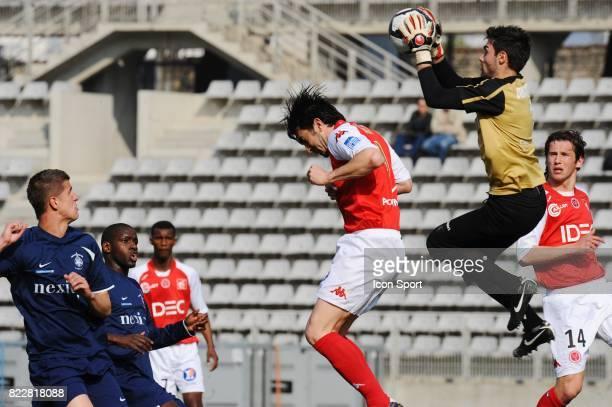 Cedric FAURE / Vincent DEMARCONNAY Paris FC / Reims 32me journee de National Stade Charlety Paris