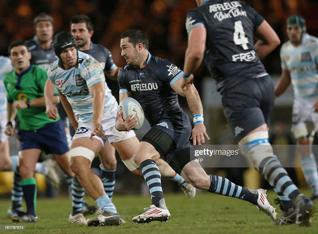 Cedric Garcia runs with the ball during the French Top 14 rugby union match Aviron Bayonnais vs Racing Metro 92 on February 16 2013 at the Yves du...