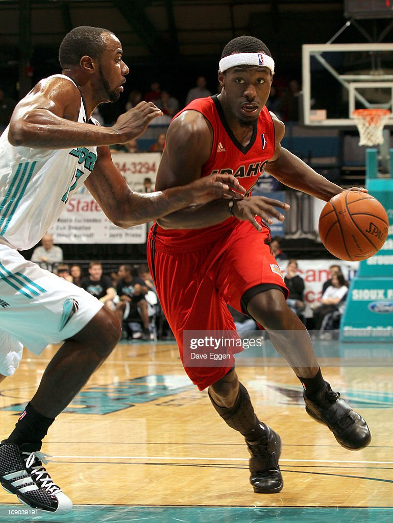 Cedric Jackson #4 of the Idaho Stampede drives the lane past Keaton Grant #17 of the Sioux Falls Skyforce in the first half of their game February 12, 2011 at the Sioux Falls Arena in Sioux Falls, South Dakota.