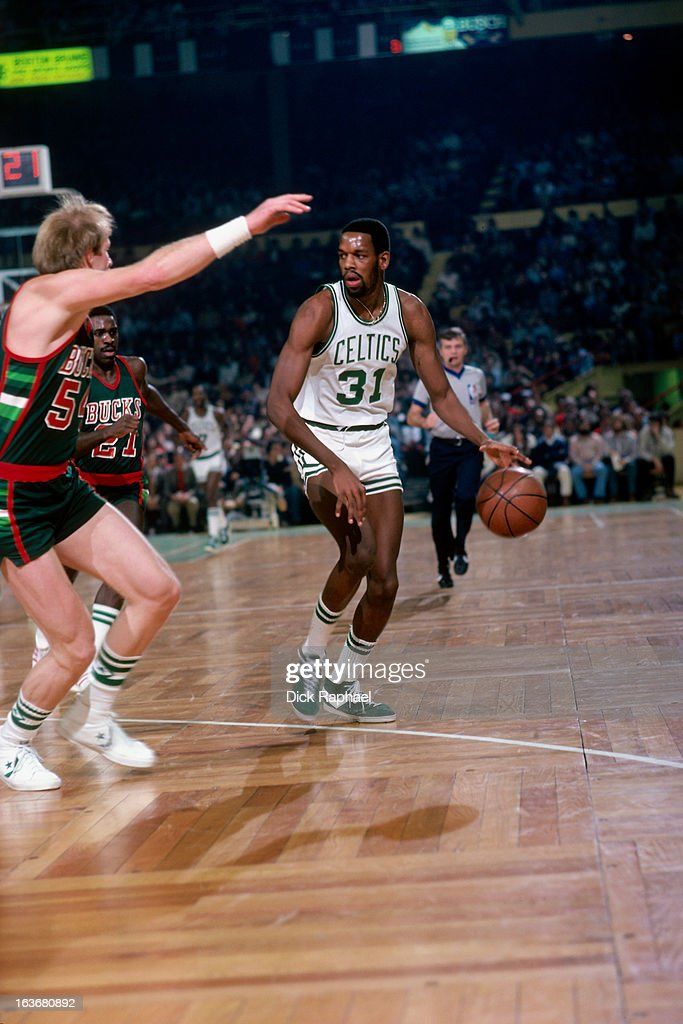 <a gi-track='captionPersonalityLinkClicked' href=/galleries/search?phrase=Cedric+Maxwell&family=editorial&specificpeople=2105758 ng-click='$event.stopPropagation()'>Cedric Maxwell</a> #31 of the Boston Celtics dribbles the ball against the Milwaukee Bucks circa 1979 at the Boston Garden in Boston, Massachussets.