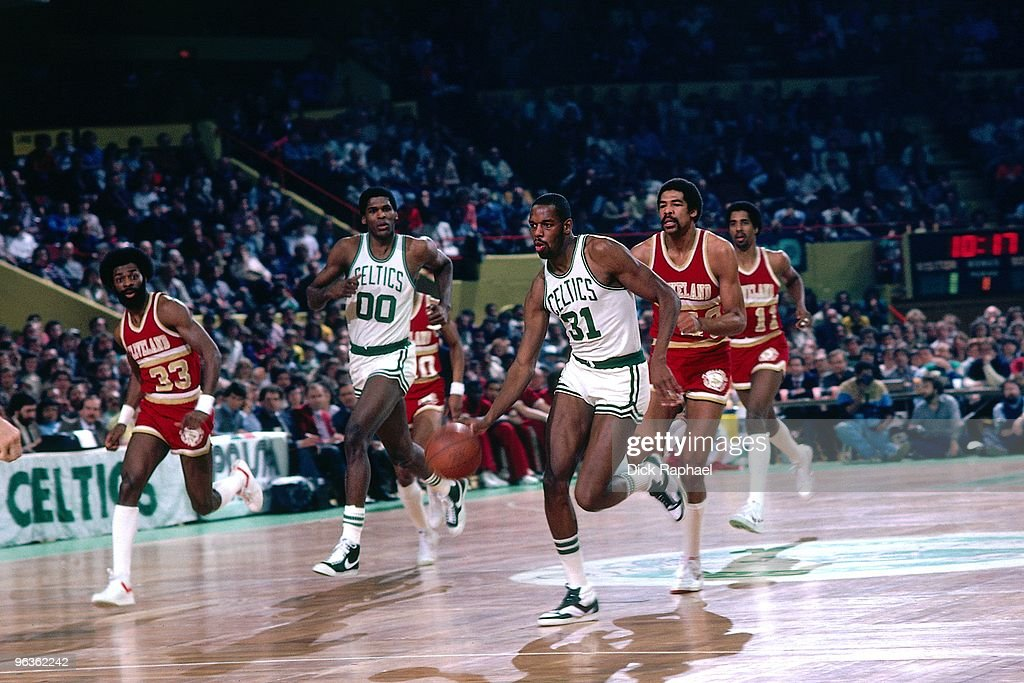 <a gi-track='captionPersonalityLinkClicked' href=/galleries/search?phrase=Cedric+Maxwell&family=editorial&specificpeople=2105758 ng-click='$event.stopPropagation()'>Cedric Maxwell</a> #31 of the Boston Celtics drives the ball up court on a fast break against the Cleveland Cavaliers during a game played in 1981 at the Boston Garden in Boston, Massachusetts.
