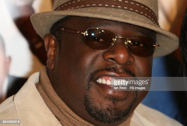 Cedric the Entertainer arrives at the premiere of Welcome Home Roscoe Jenkins at the Grauman's Chinese Theatre Los Angeles