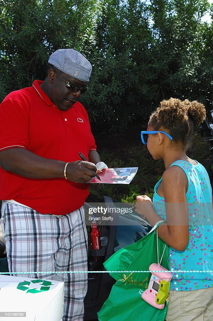 <a gi-track='captionPersonalityLinkClicked' href=/galleries/search?phrase=Cedric+the+Entertainer&family=editorial&specificpeople=210583 ng-click='$event.stopPropagation()'>Cedric the Entertainer</a> competes at the 11th Annual Michael Jordan Celebrity Invitational hosted by Aria Resort & Casino at Shadow Creek on March 30, 2012 in Las Vegas, Nevada.