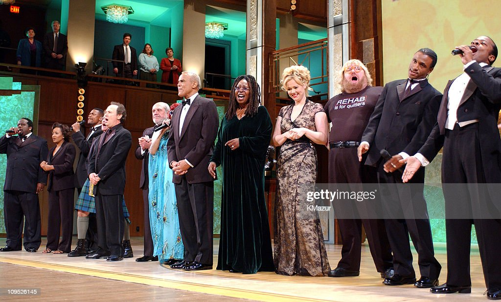 Cedric 'The Entertainer,' Wanda Sykes, Chris Tucker, Robin Williams, Billy Crystal, Alan King, Celia Cruz, Harry Belafonte, Whoopi Goldberg, Caroline Rhea, Bruce Vilanch, Tommy Davidson, and Three Mo' Tenors perform at end of the show; 'On Stage at the Kennedy Center: The Mark Twain Prize' will air November 21, at 9 p.m. on PBS.