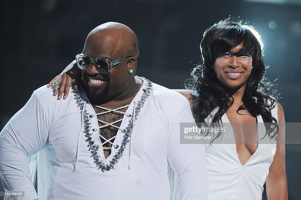 <a gi-track='captionPersonalityLinkClicked' href=/galleries/search?phrase=Cee-Lo&family=editorial&specificpeople=595640 ng-click='$event.stopPropagation()'>Cee-Lo</a> Green and <a gi-track='captionPersonalityLinkClicked' href=/galleries/search?phrase=Melanie+Fiona&family=editorial&specificpeople=5543211 ng-click='$event.stopPropagation()'>Melanie Fiona</a> perform during the 2011 Soul Train Awards at The Fox Theatre on November 17, 2011 in Atlanta, Georgia.