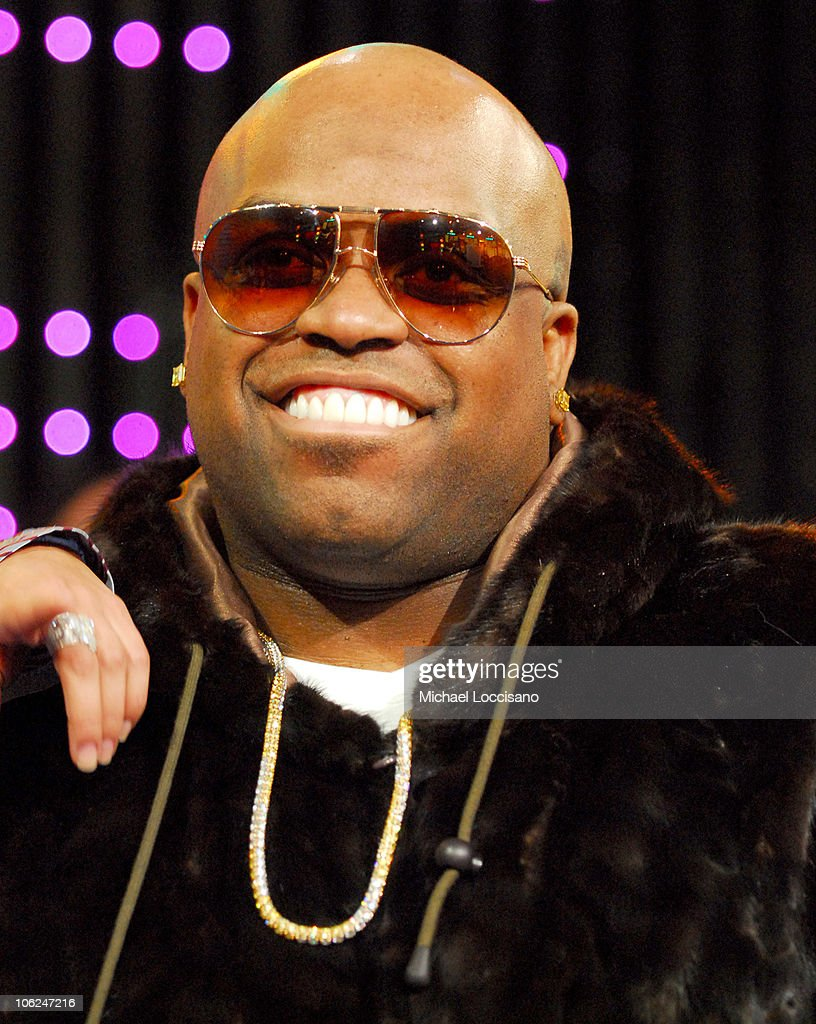 knarls and barkley Gnarls barkley 424 mil me gusta cee-lo green & danger mouse.