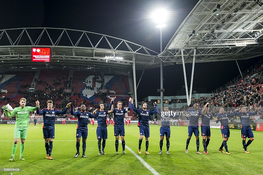 PSV celebrate the victory during the Dutch Eredivisie match between FC Utrecht and PSV Eindhoven at the Galgenwaard Stadium on February 07, 2016 in Utrecht, The Netherlands