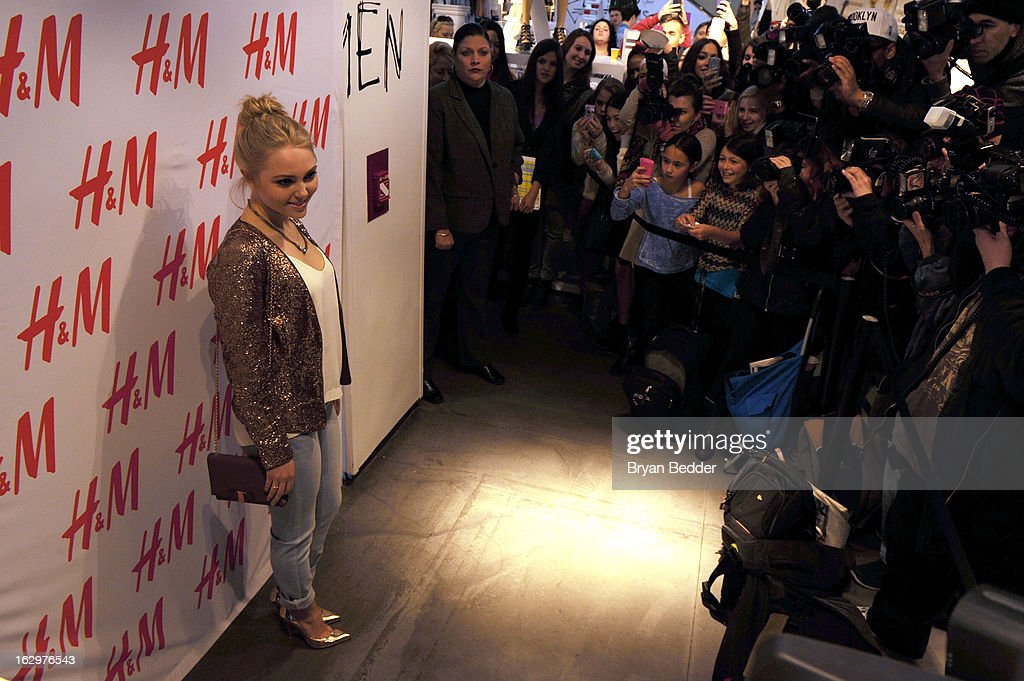 H&M celebrates 'Denim Days' with Seventeen Magazine and actress <a gi-track='captionPersonalityLinkClicked' href=/galleries/search?phrase=AnnaSophia+Robb&family=editorial&specificpeople=674007 ng-click='$event.stopPropagation()'>AnnaSophia Robb</a> at H&M Fifth Avenue on March 2, 2013 in New York City.