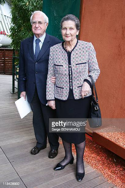 Celebrities At 2009 Roland Garros Tournament In Paris France On June 07 2009 Simone Veil and her husband