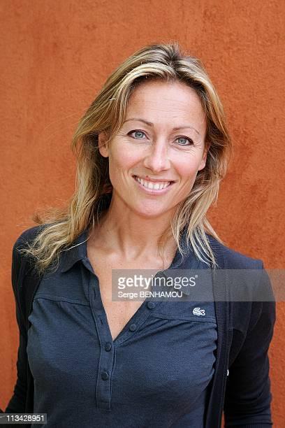 Celebrities At 2009 Roland Garros Tournament In Paris France On June 07 2009 AnneSophie Lapix