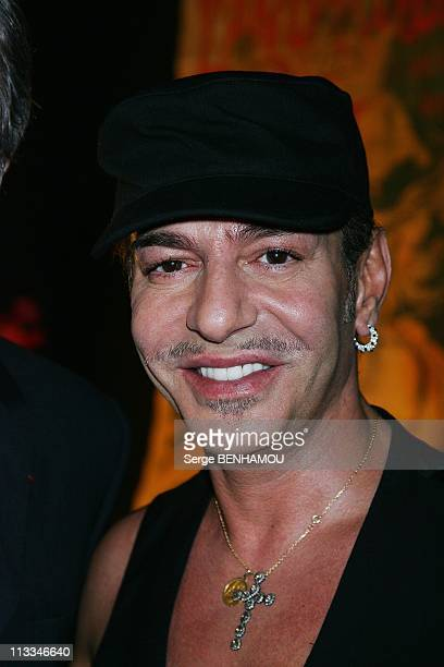 Celebrities At John Galliano Ready To Wear SpringSummer 2009 Fashion Show In Paris France On October 04 2008 John Galliano
