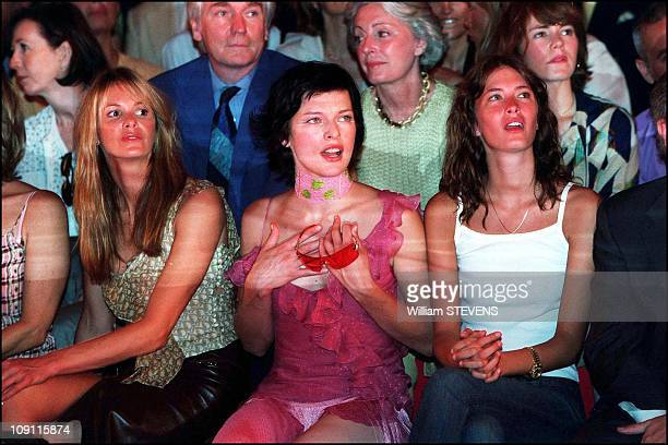Celebrities Watching The Autumn Winter 2000 2001 Christian Dior Fashion Show On August 7Th 2000 In Paris France Elle Mcpherson And Milla Jovovich