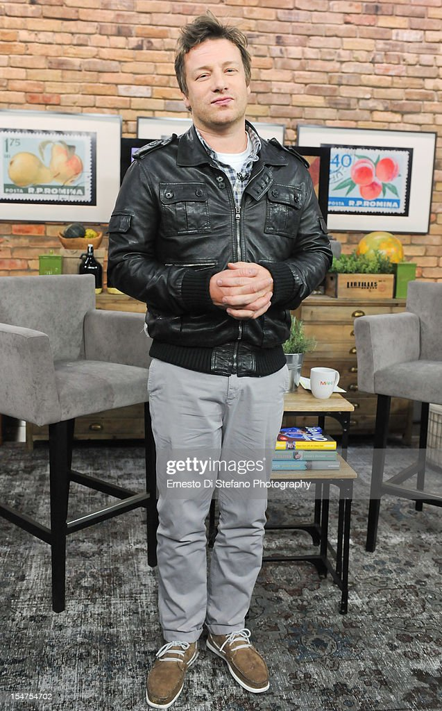 Celebrity Chef <a gi-track='captionPersonalityLinkClicked' href=/galleries/search?phrase=Jamie+Oliver&family=editorial&specificpeople=159384 ng-click='$event.stopPropagation()'>Jamie Oliver</a> appears on the Marilyn Denis Show on October 19, 2012 in Toronto, Canada.
