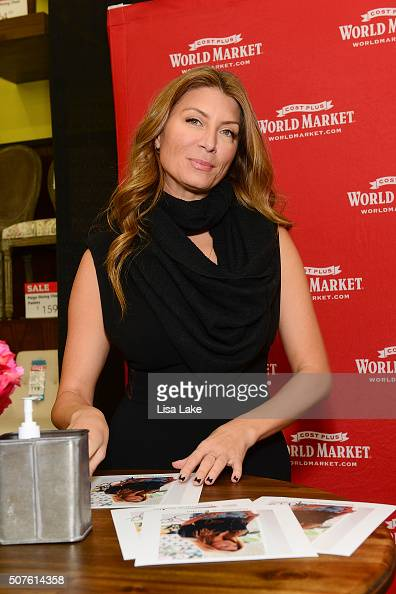 genevieve gorder dating anthony Congrats are in order for genevieve gorder the trading spaces vet, who is returning for the tlc series' revival in spring 2018, is engaged to.