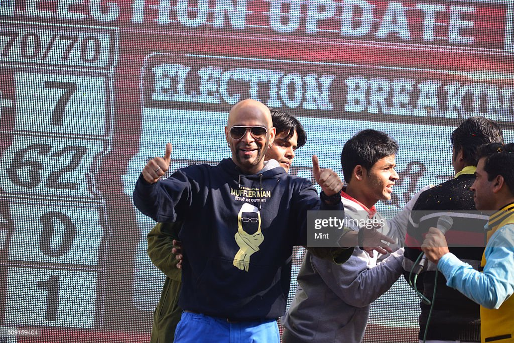 TV celebrity Raghu celebrating victory in Delhi Assembly Election at AAP office in East Patel Nagar on February 10, 2015 in New Delhi, India.