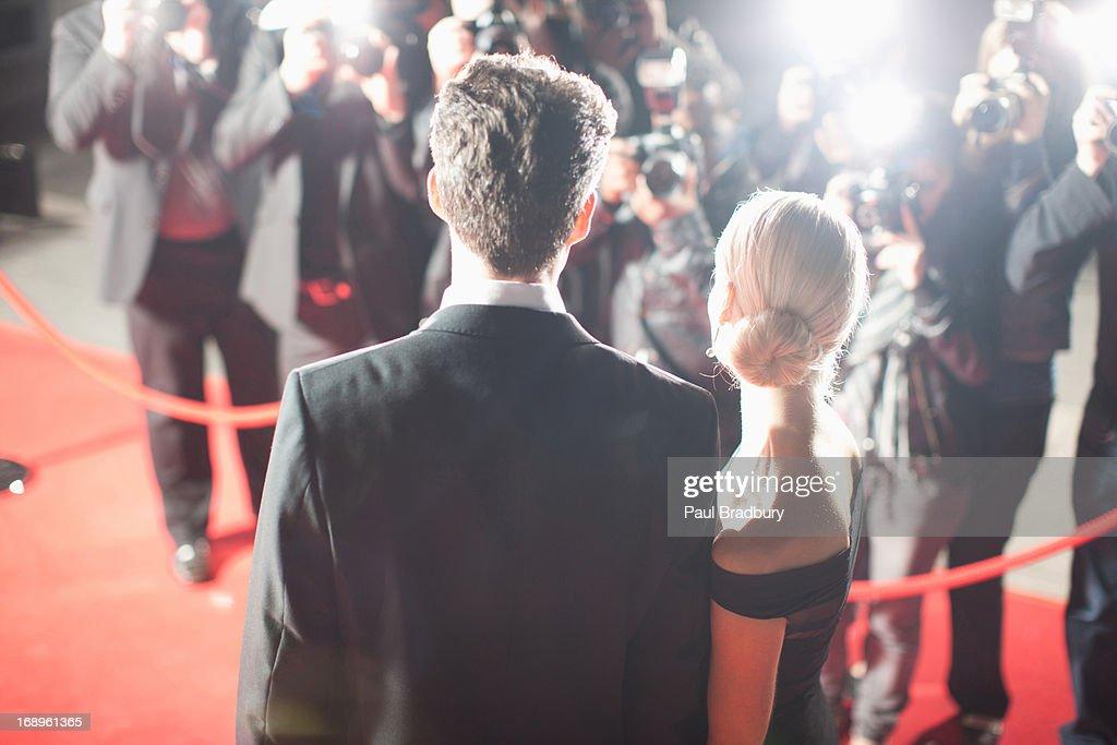 Prominente auf dem roten Teppich : Stock-Foto