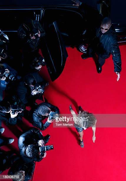 Celebrity quelques passé paparazzi sur le tapis rouge