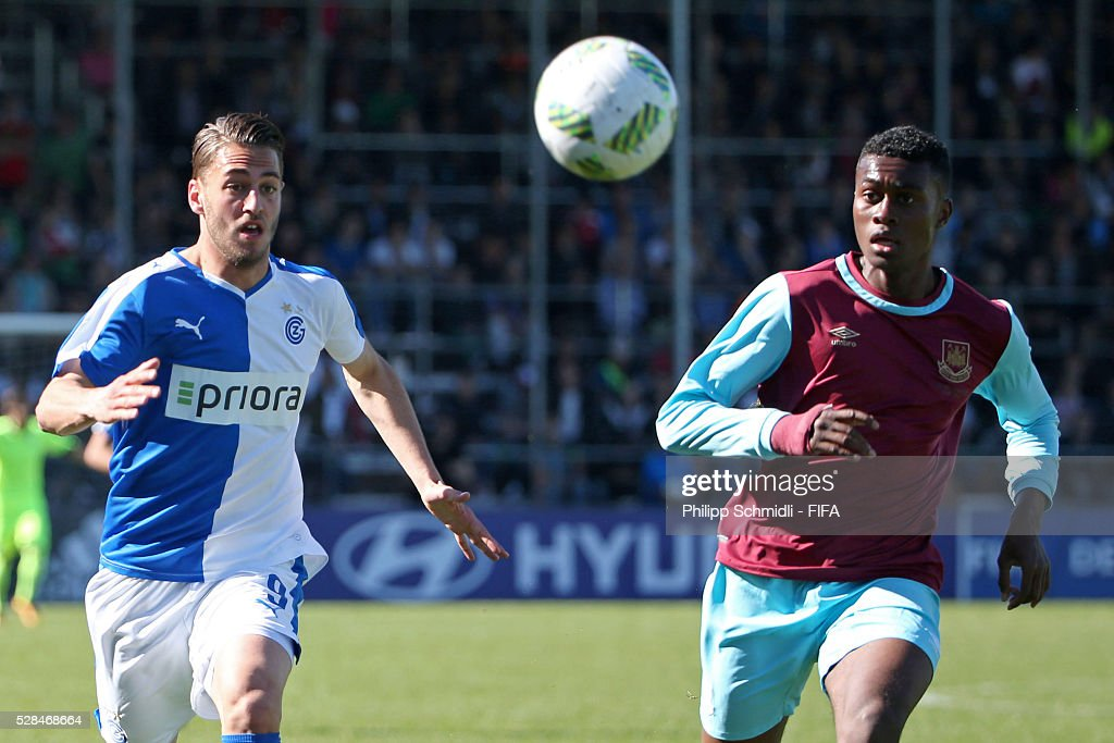 Celien Wicht of Grasshopper Club Zurich (L) competes for the ball with Olatunji Akinola of West Ham United FC during the FIFA Blue Stars 2016/FIFA Youth Cup final match between Grasshopper Club Zurich and West Ham United FC on May 5, 2016 in Zurich, Switzerland.
