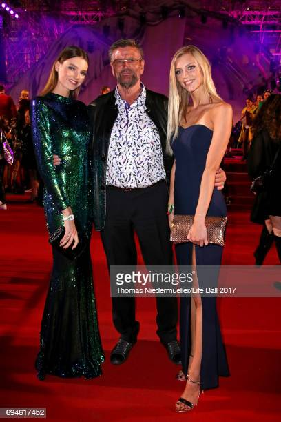 Celine Bethmann Günther Klum and Serlina Jana Hohmann arrive for the Life Ball 2017 at City Hall on June 10 2017 in Vienna Austria