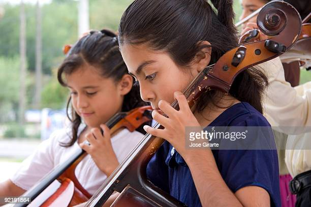 Cellists duet  in concert